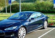 Tesla-Model-3-Yollarda-Yakalandı,-Gösterge-Paneli-TV-Ekranı-Gibi-!-webhakim-p-1685
