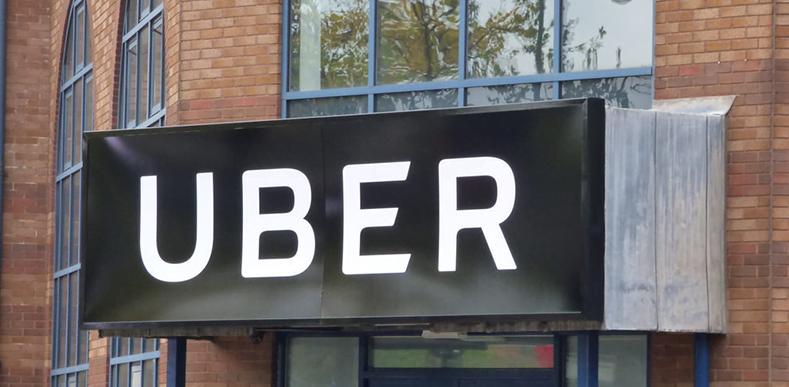 Uber-istekler-üzerine-2020'ye-kadar-uçan-arabayı-test-etmeyi-planlıyor-webhakim-p-1460