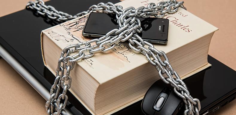 Güvenliğiniz-İçin-Akıllı-Telefonunuzda-Yapmanız-Gereken-7-İşlem-webhakim-p-1723