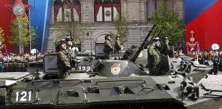 Rusya Devlet Başkanı Vladimir Putin, Kızıl Meydan'a şunları söyledi: Askerimizi kimse yenemez