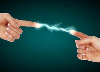 İnsanlar Birbirine Dokununca Neden Elektrik Çarpar