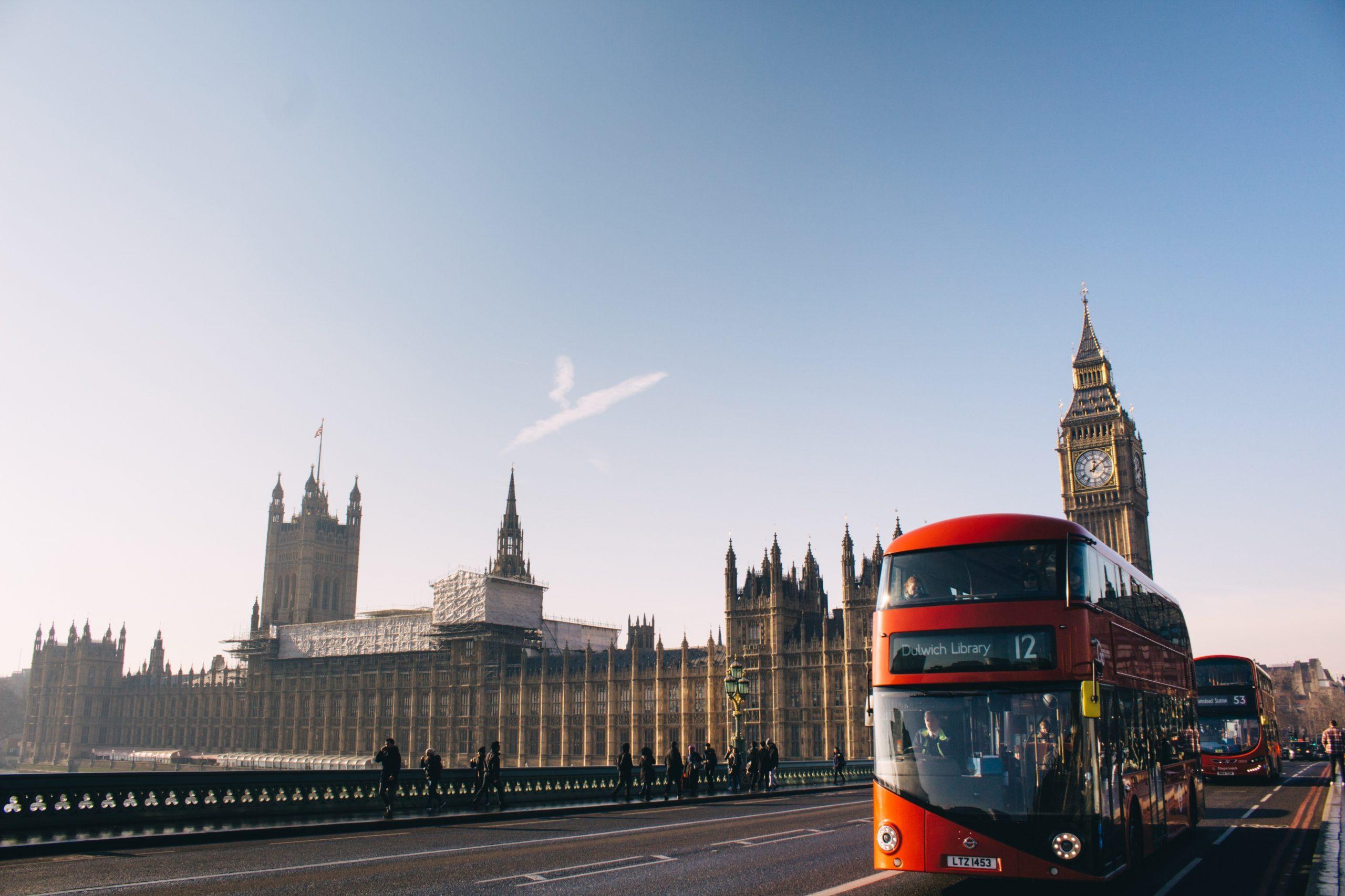 İngiltere sokağa çikma yasaği webhakim