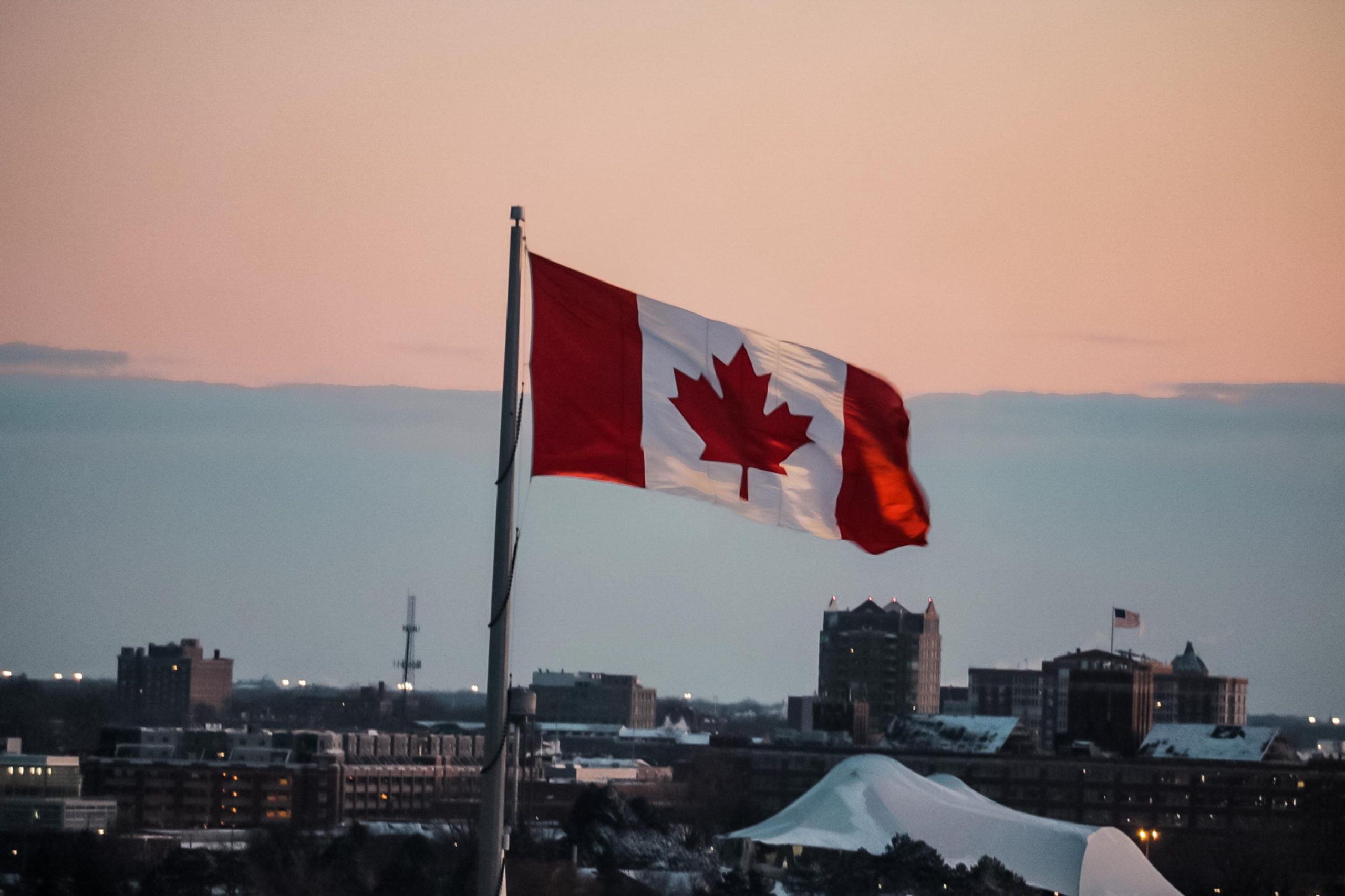 Kanada, ABD Haricindeki Tüm Yabancılara Sınırı Kapattığını Duyurdu!