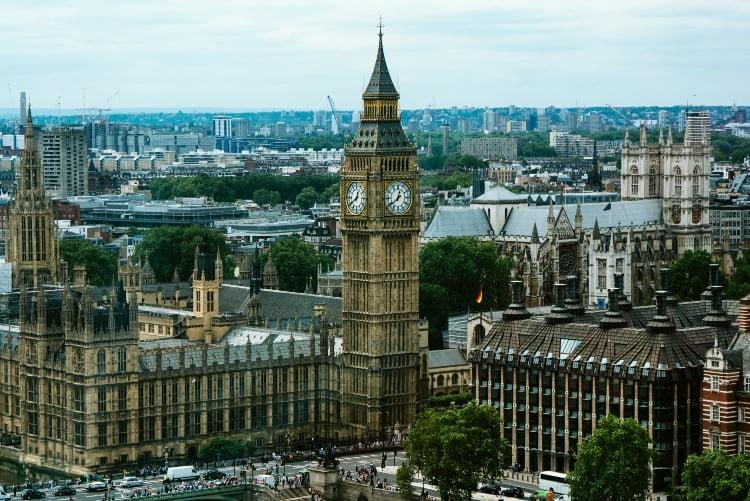 İngiltere'de Corona Virüsten Ölenlerin Sayısı 759 Oldu!