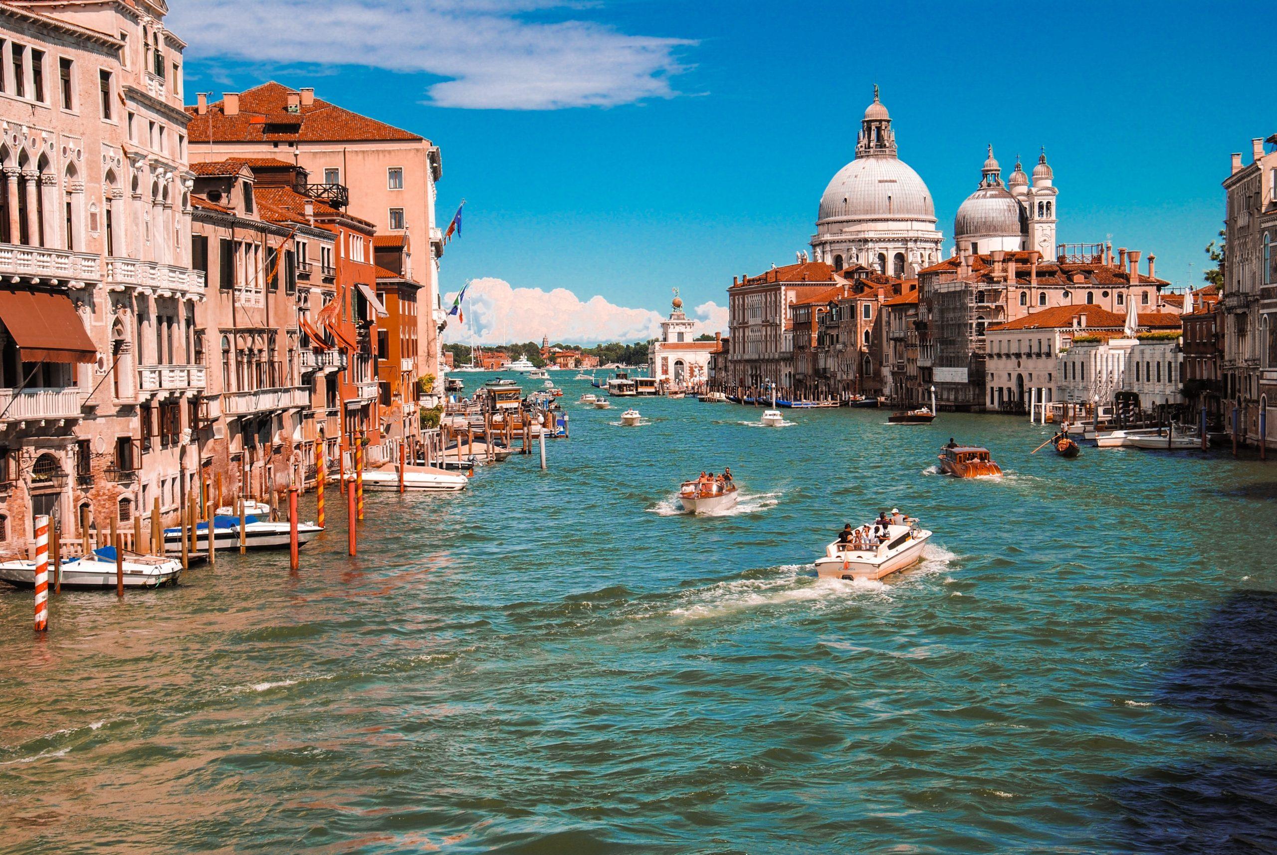 İtalya, 651 Kişinin Daha Corona Virüsten Dolayı Öldüğünü Bildirdi!