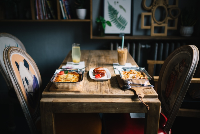 Evdekiler ile Yemek Yemeyi Tercih Edinphoto