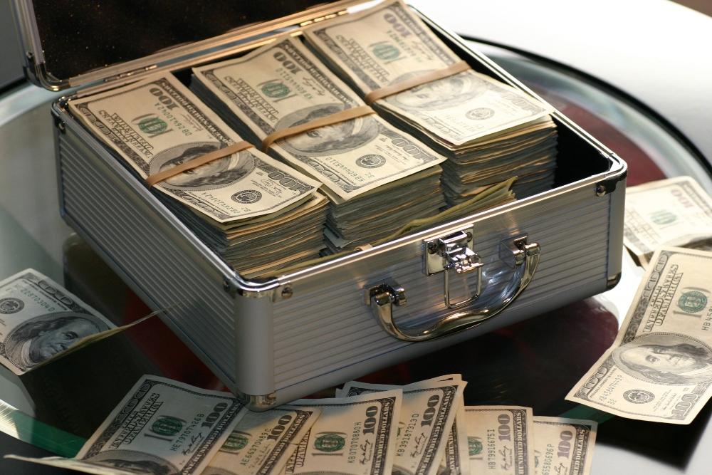 Tam 845 milyar dolar servet artisi